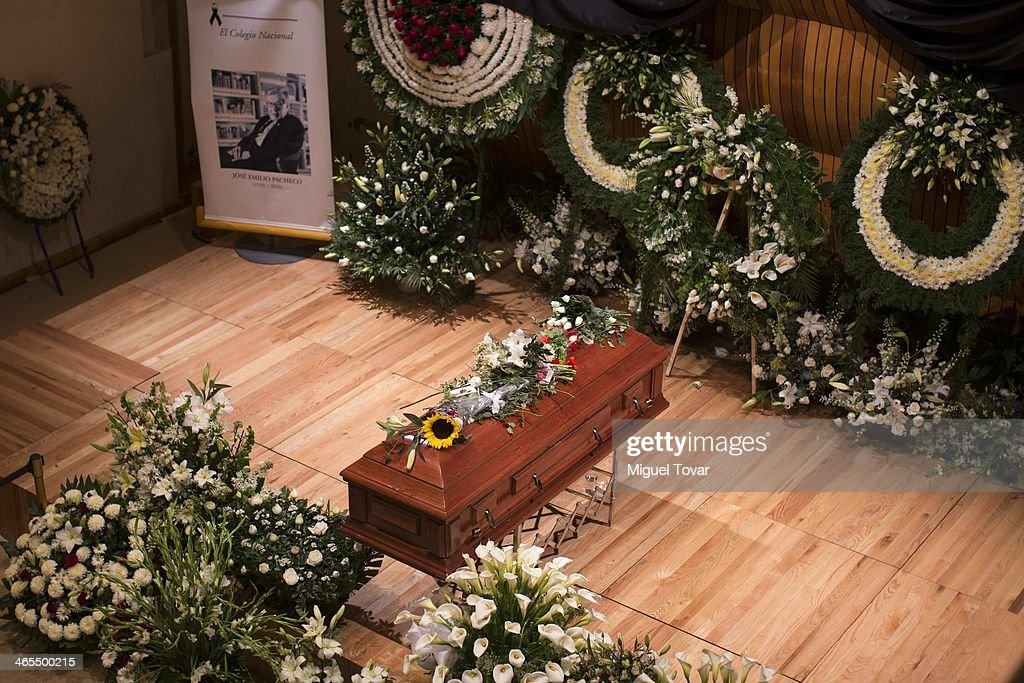 View of the coffin containing the remains of the Mexican writer Jose Emilio Pacheco during his funeral on January 27, 2014 in Mexico City, Mexico. Jose Emilio Pacheco died last Sunday 26 at age 74. The poet, novelist, journalist, essayist and literary critic came to be a leading representative of the Mexican writers generation in the late 1950s and 1960s.