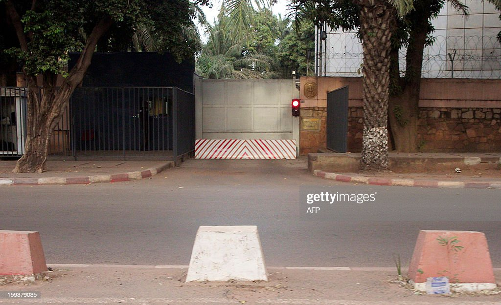 A view of the entrance of French Embassy in Mali taken on January 12, 2013 in Bamako as France sent troops the day before to help Malian forces hold back an advance by Islamist rebels. French President said today that French military intervention had halted the advance of Islamists trying to push south from their northern stronghold. AFP PHOTO / HABIBOU KOUYATE