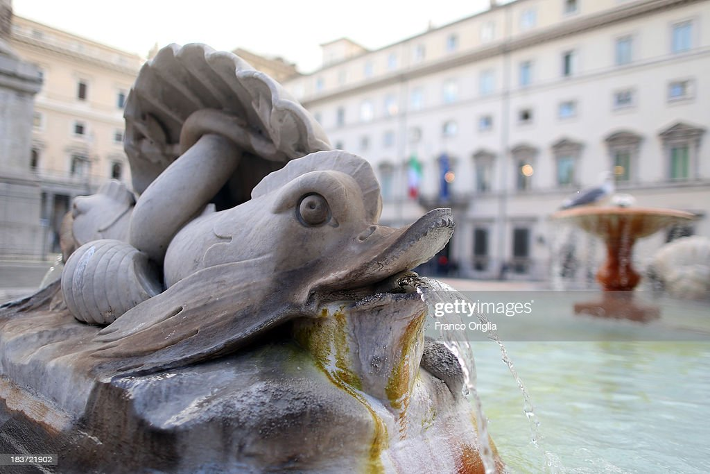 A view of the fountain in front Palazzo Chigi (Palace of the Italian government) after a press conference of the PDL Ministers (centre-right party led by Silvio Berlusconi) on October 9, 2013 in Rome, Italy. After asking all his ministers to resign, Silvio Berlusconi changed his mind and voted in support of the government as Prime Minister Enrico Letta gained the confidence vote at the Italian Senate on October 2nd.