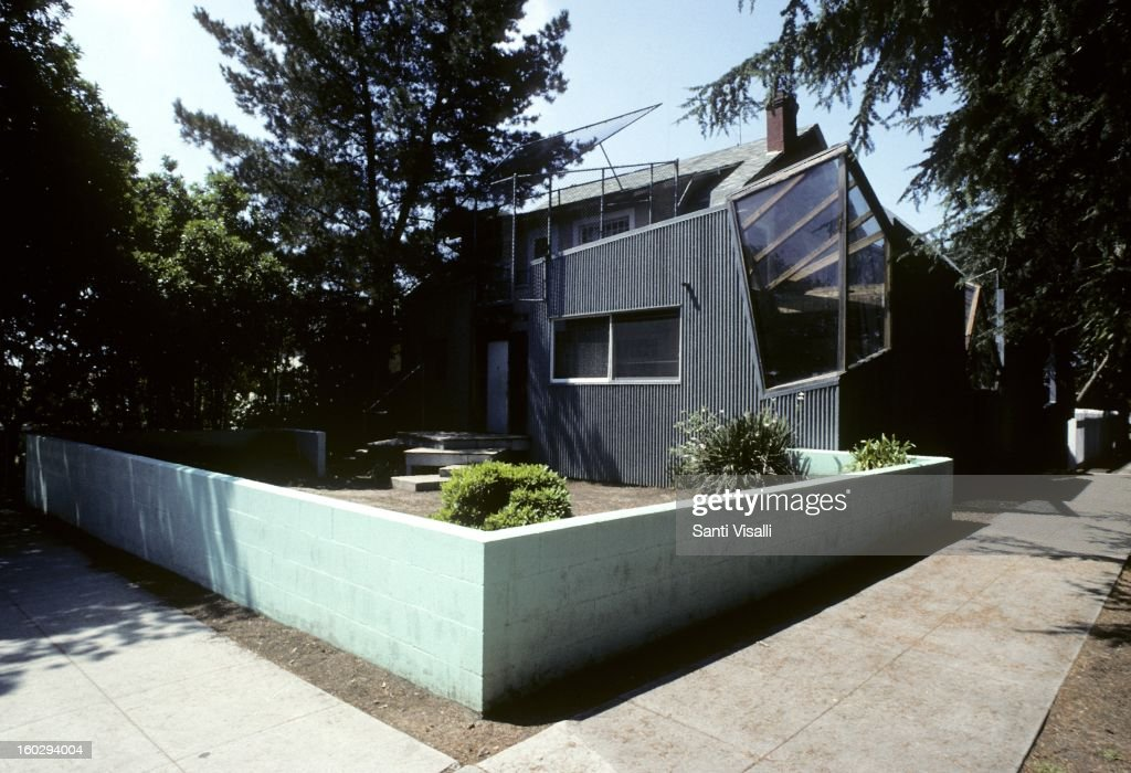 A view of the Frank Gehry designed house at 1002 22nd Street in 1991 in Los Angeles California