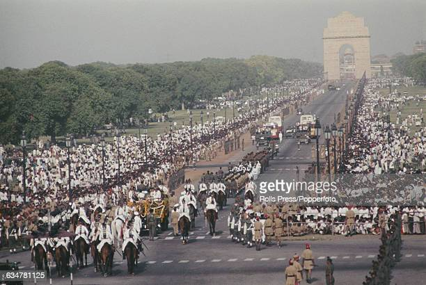 View of the funeral procession of Zakir Hussein 3rd President of India as it makes its way along the Rajpath towards the India Gate in New Delhi...