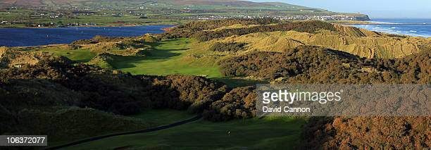 A view of the green on the 218 yards par 3 3rd hole 'The Settlement' foreground with the 538 yards par 5 4th hole 'Thistly Hollow' to the right...