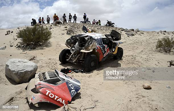 View of the Peugeot of Spanish driver Carlos Sainz after a mechanical failure during the Stage 10 of the Dakar 2016 between Belen and La Rioja...