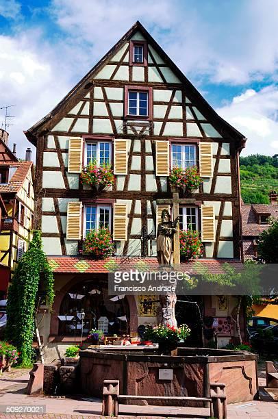view of the picturesque village of Kaysersberg Alsace France Vista da pitoresca Vila de Kaysersberg Alsácia França
