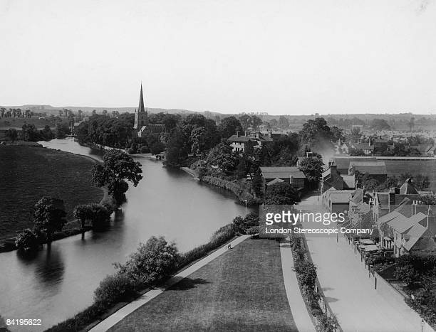 A view of the River Avon passing through StratforduponAvon Warwickshire circa 1900