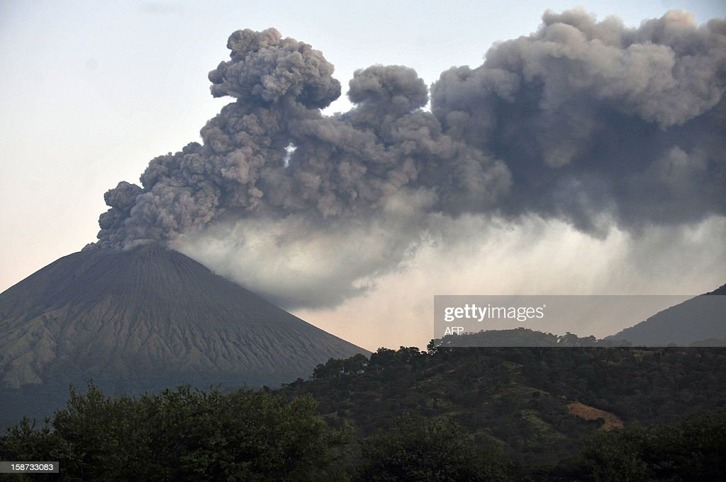 View of the San Cristobal volcano from Chinandega, 150 km from Managua, on December 26, 2012. The San Cristobal volcano began spewing smoke and ashes Tuesday afternoon. AFP PHOTO / Hector RETAMAL