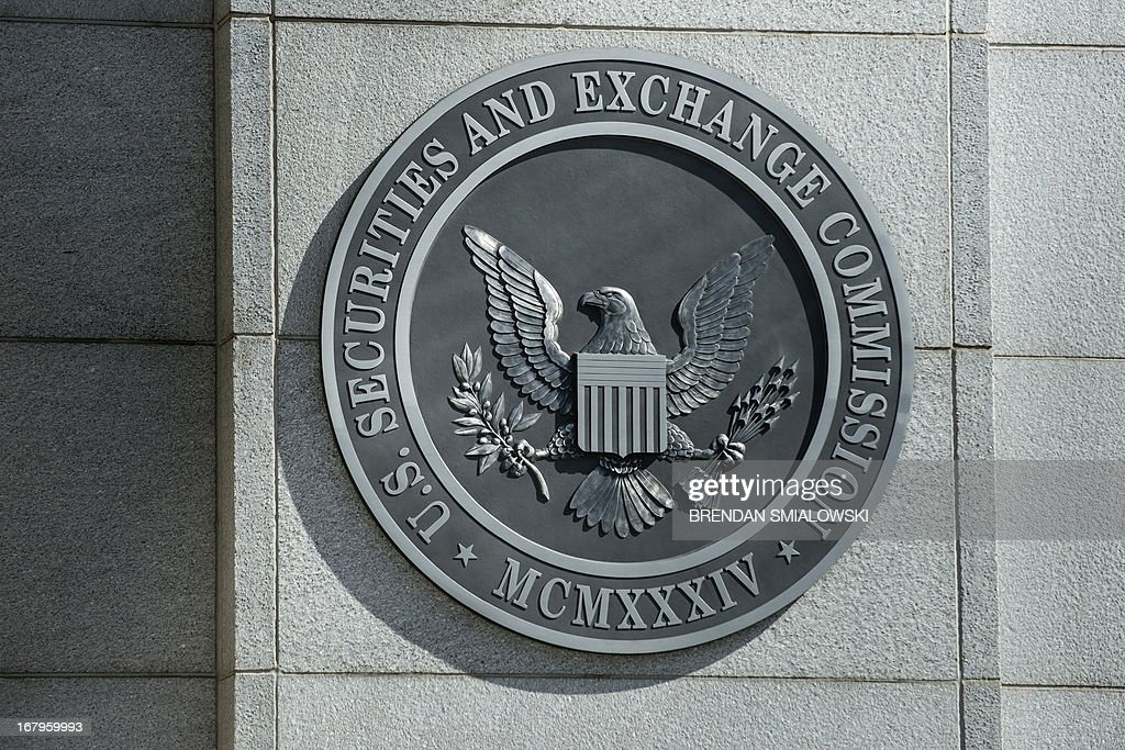 A view of the Securities and Exchange Commission headquarters May 3, 2013 in Washington, DC. AFP PHOTO/Brendan SMIALOWSKI