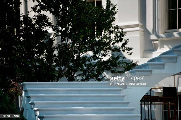 A view of the south portico as work continues during summer renovations to the White House on August 22 2017 in Washington DC / AFP PHOTO / Brendan...