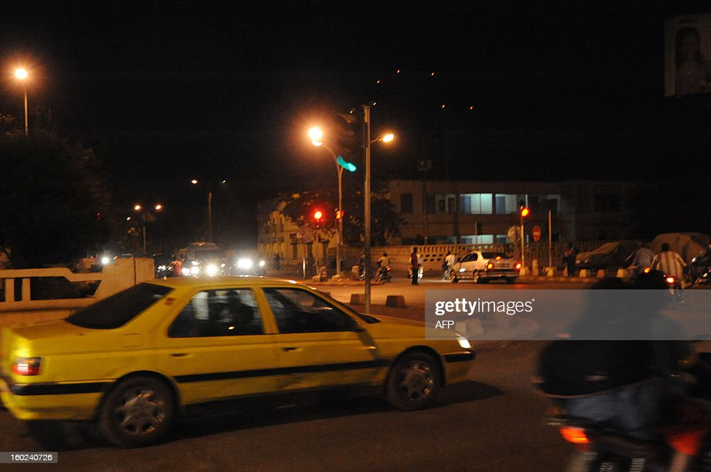 View of the streets in Bamako after the 2013 Africa Cup of Nations football match Mali vs Democratic Republic of Congo in Durban on January 28, 2013. AFP PHOTO /HABIBOU KOUYATE