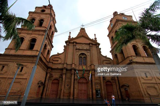 Plaza de santa cruz stock photos and pictures getty images for Domon france