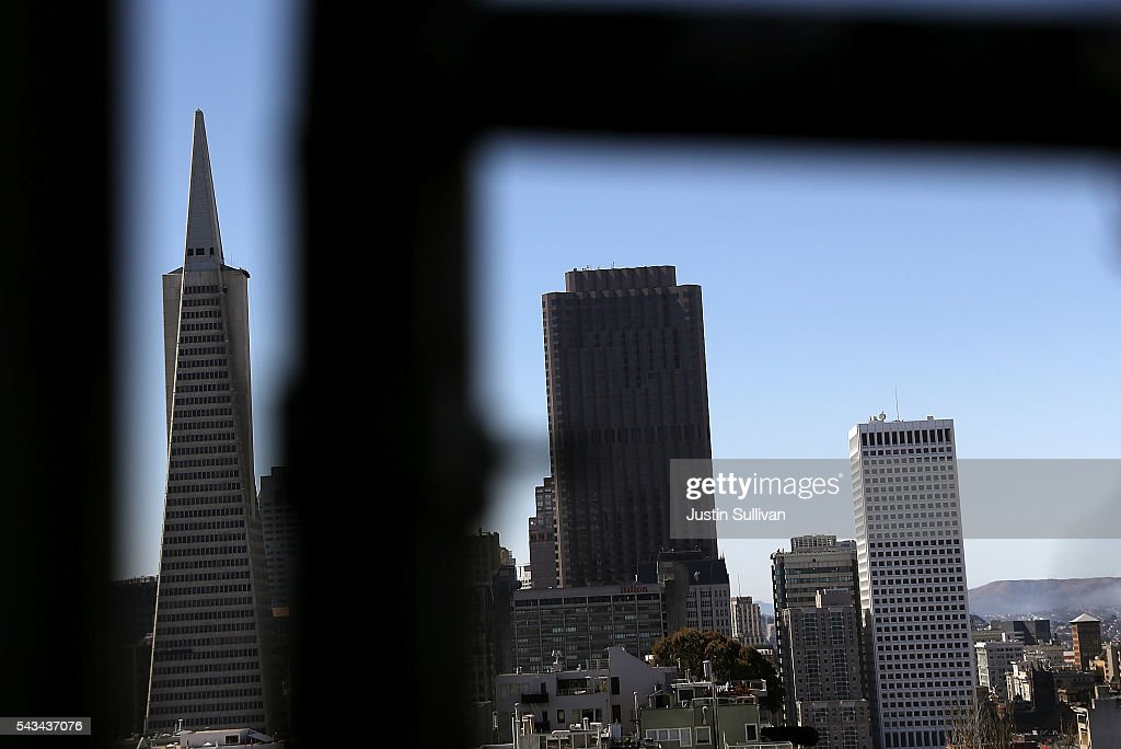 A view of the Transamerica Pyramid (L) and 555 California on June 28, 2016 in San Francisco, California. A new video that allegedly supports ISIL has emerged on the internet shows San Francisco's iconic Golden Gate Bridge as well as the office building at 555 California.