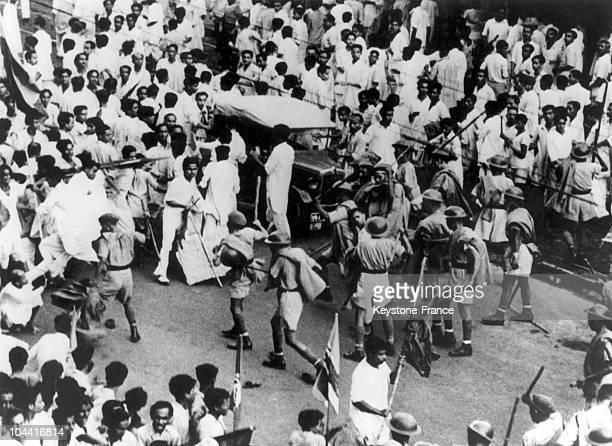 A view of the violent clashes between Indian insurgents and police forces in Calcutta on July 21 1952