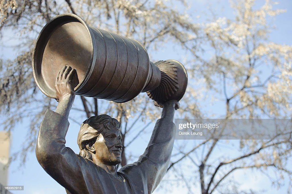 A view of the Wayne Gretzky statue outside of Rexall Place seen before an NHL game between the Edmonton Oilers and the Phoenix Coyotes on February 23, 2013 in Edmonton, Alberta, Canada.