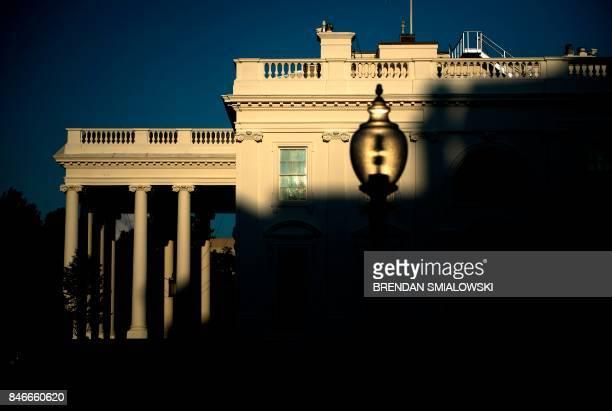A view of the White House September 13 2017 in Washington DC / AFP PHOTO / Brendan Smialowski