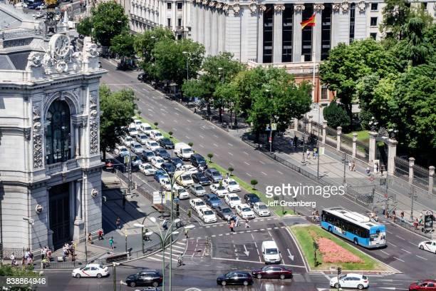 A view of traffic in Terrazamirador del Palacio de Cibeles