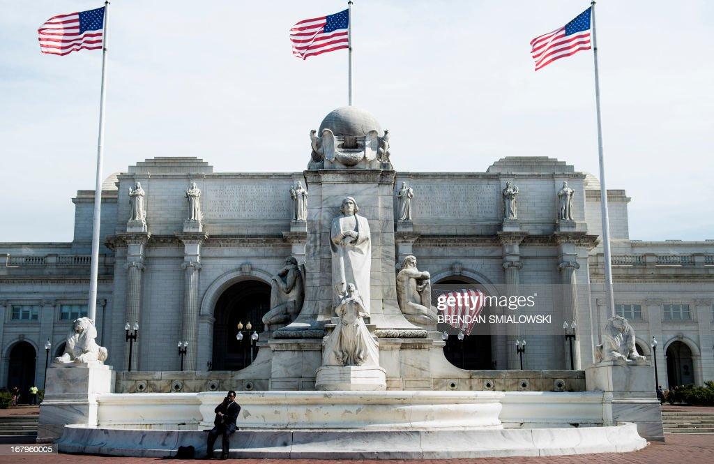 A view of Union Station from Columbus Circle May 3, 2013 in Washington, DC. AFP PHOTO/Brendan SMIALOWSKI