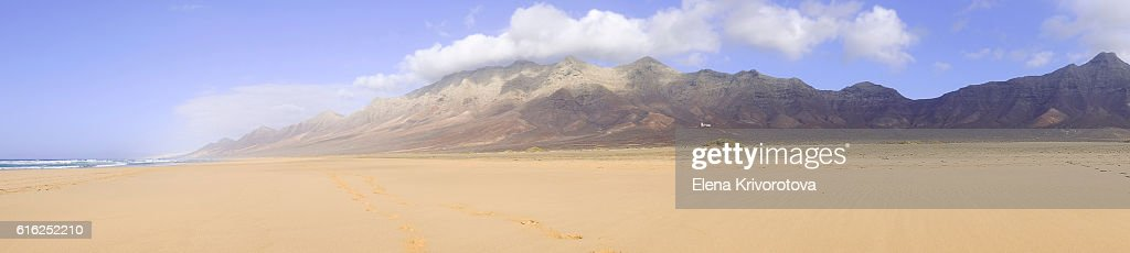 View on a famous beach Cofete on Fuerteventura, Spain. : Foto de stock