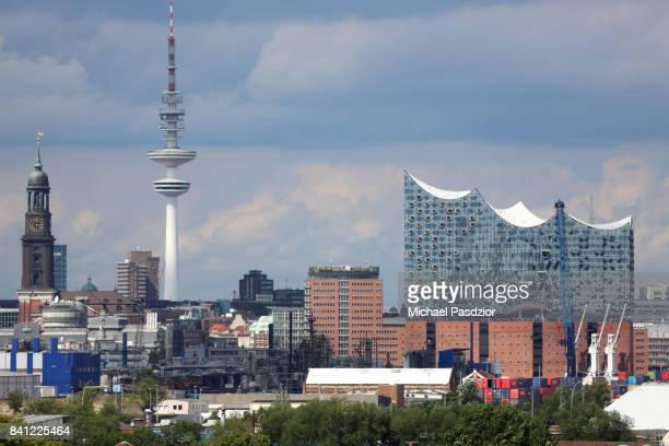 view on city skyline with Elbphilharmonie