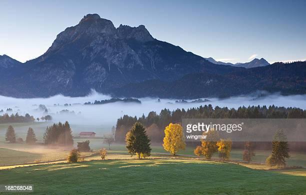Blick auf den mt. sauling nahe Füssen in Bayern, Alpen, den Herbst