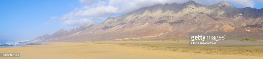 View on the famous beach Cofete on Fuerteventura, Spain. : Foto de stock