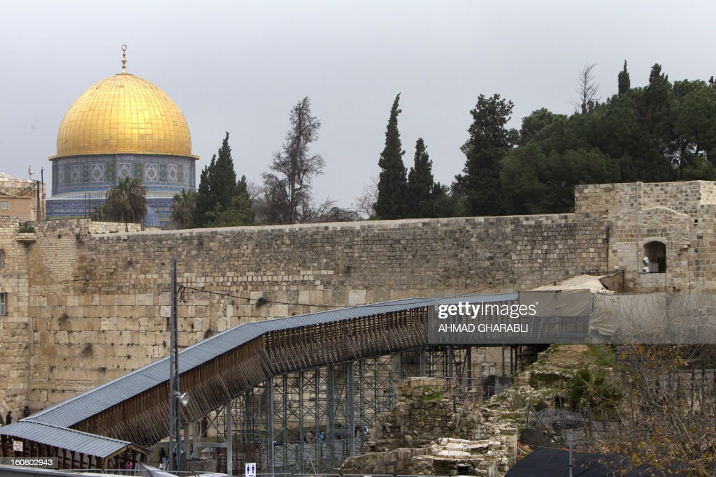 A view shows the Mughrabi ramp leading from the plaza by the Western Wall to the Al-Aqsa Mosque compound in the old city of Jerusalem, on February 6, 2013 . AFP PHOTO/AHMAD GHARABLI