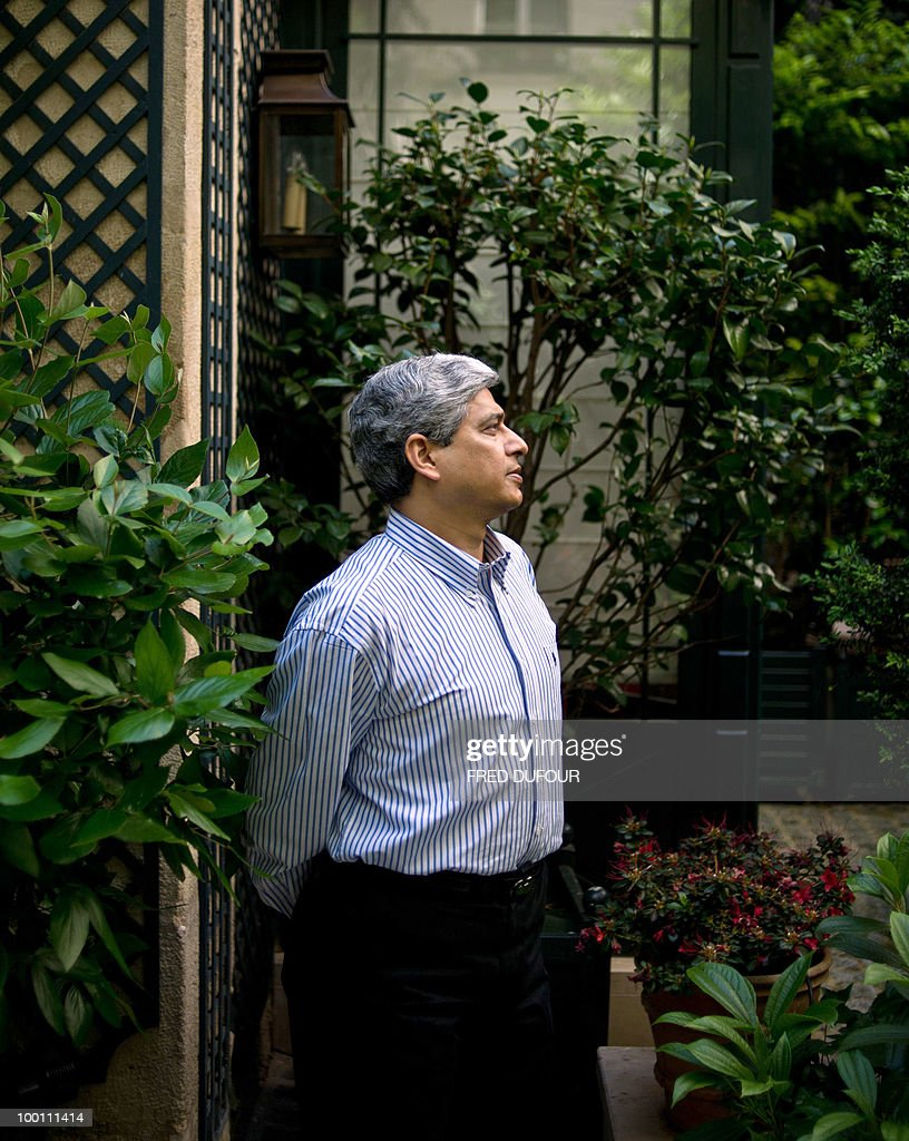 Vikas Swarup, Indian diplomat and author