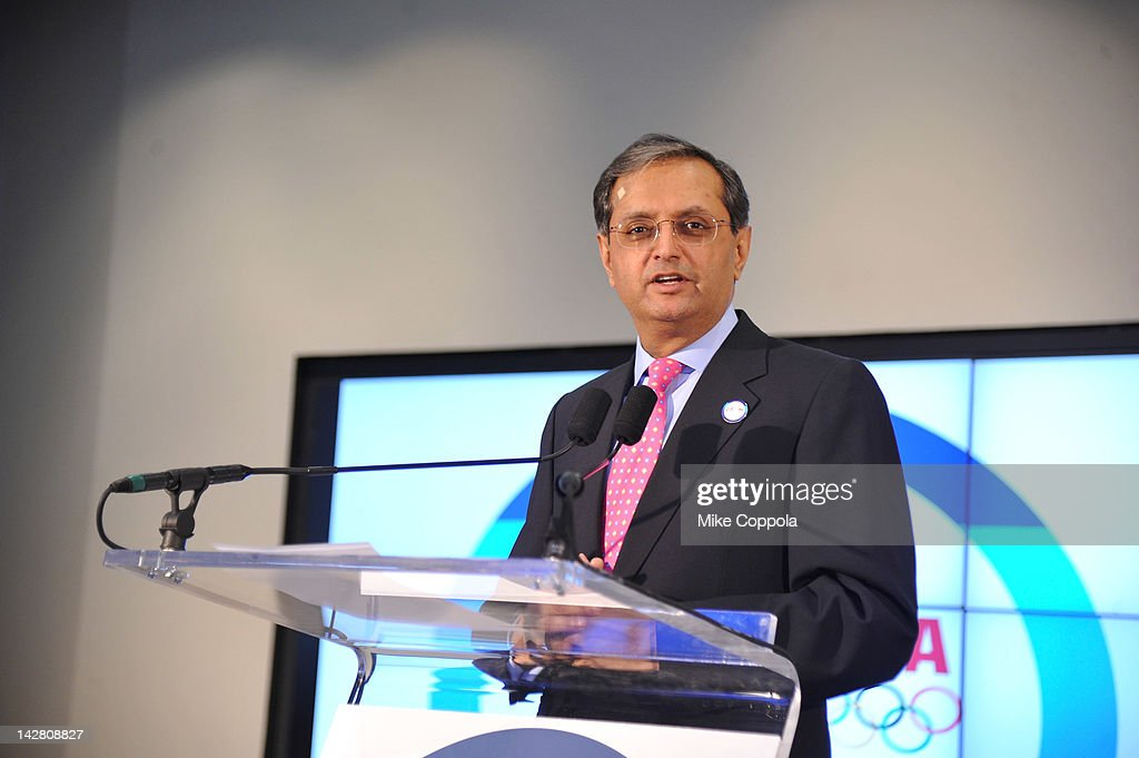 <a gi-track='captionPersonalityLinkClicked' href=/galleries/search?phrase=Vikram+Pandit&family=editorial&specificpeople=5610048 ng-click='$event.stopPropagation()'>Vikram Pandit</a>, Chief Executive Officer, Citi and Members of Team Citi take a 'signature step' to kick off Citi's Every Step of the Way Olympic program on April 12, 2012 in New York City.