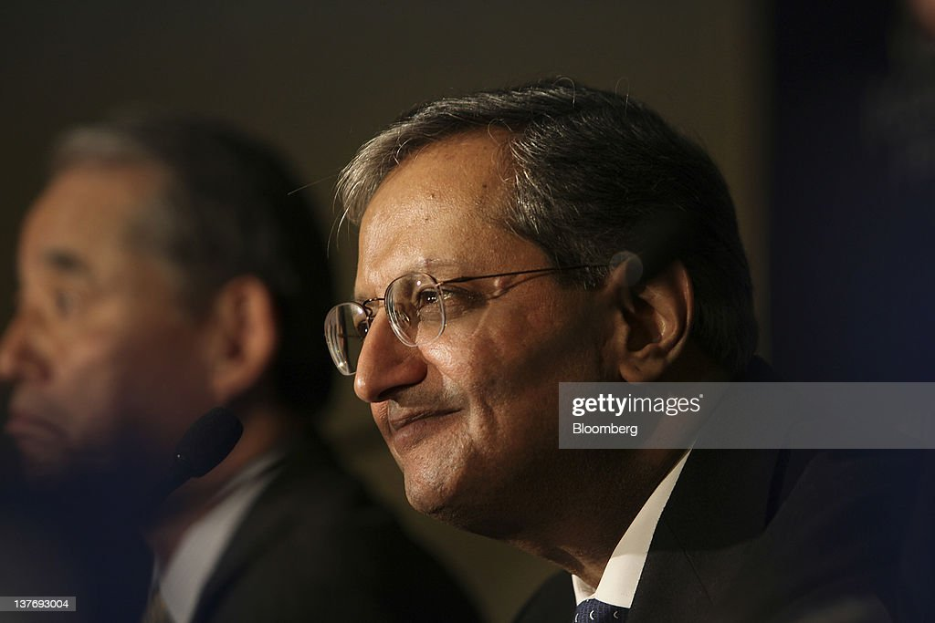 <a gi-track='captionPersonalityLinkClicked' href=/galleries/search?phrase=Vikram+Pandit&family=editorial&specificpeople=5610048 ng-click='$event.stopPropagation()'>Vikram Pandit</a>, chief executive officer of Citigroup Inc., right, smiles while Yasuchika Hasegawa, president and chief executive officer of Takeda Pharmaceutical Co., looks on during a press conference on day one of the World Economic Forum (WEF) in Davos, Switzerland, on Wednesday, Jan. 25, 2012. The 42nd annual meeting of the World Economic Forum will be attended by about 2,600 political, business and financial leaders at the five-day conference. Photographer: Chris Ratcliffe/Bloomberg via Getty Images