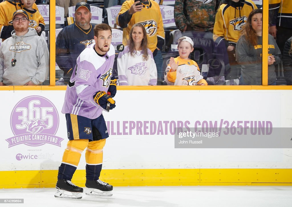 Viktor Arvidsson #33 of the Nashville Predators warms up prior to an NHL game against the Washington Capitals on Hockey Fights Cancer night at Bridgestone Arena on November 14, 2017 in Nashville, Tennessee.