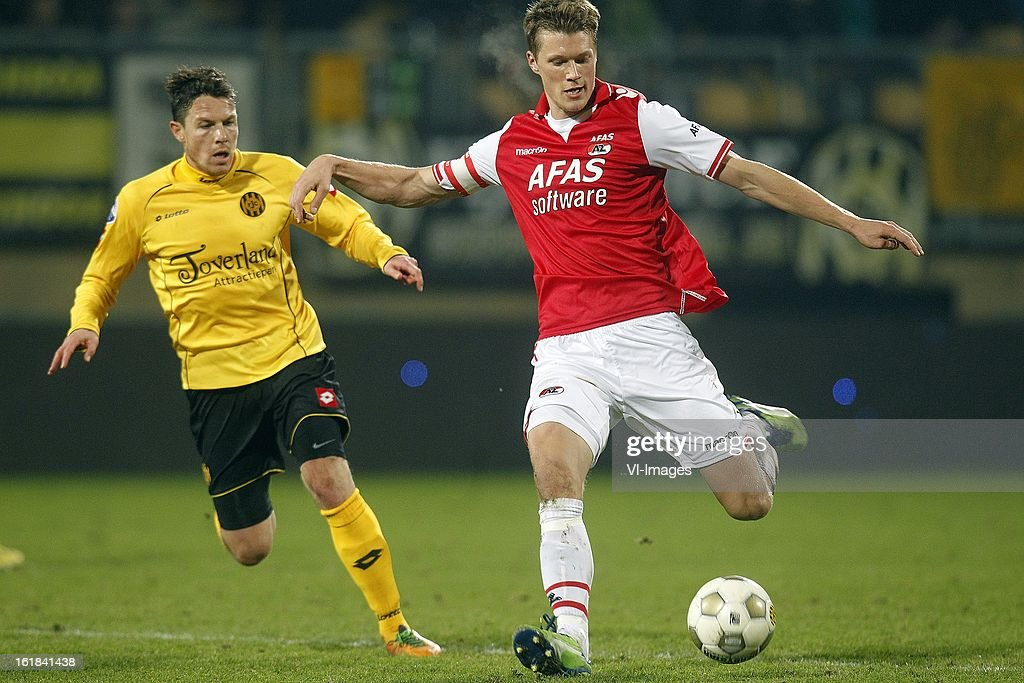 Viktor Elm of AZ (R), Mark-Jan Fledderus of Roda JC (L) during the Dutch Eredivisie match between Roda JC Kerkrade and AZ Alkmaar at the Parkstad Limburg Stadium on february 16, 2013 in Kerkrade, The Netherlands