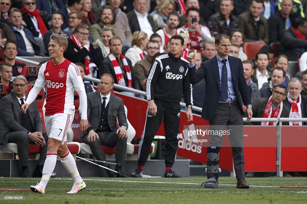 Viktor Fischer of Ajax, coach Frank de Boer of Ajax during the Dutch Eredivisie match between Ajax Amsterdam and FC Twente at the Amsterdam Arena on May 01, 2016 in Amsterdam, The Netherlands
