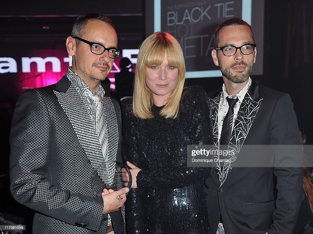 Viktor Horsting, Roisin Murphy and Rolf Snoeren attend the 25th amfAR Inspiration Gala at Pavillon Gabriel on June 23, 2011 in Paris, France.