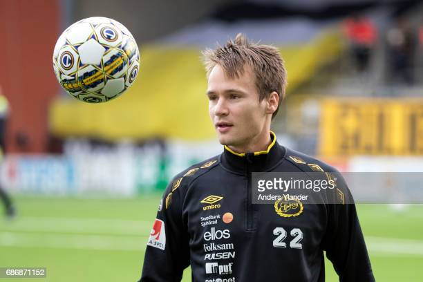 Viktor Prodell of IF Elfsborg during warmup prior to the Allsvenskan match between IF Elfsborg and Jonkopings Sodra IF at Boras Arena on May 22 2017...