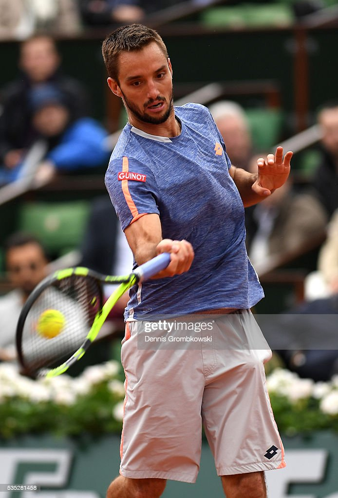 <a gi-track='captionPersonalityLinkClicked' href=/galleries/search?phrase=Viktor+Troicki&family=editorial&specificpeople=553829 ng-click='$event.stopPropagation()'>Viktor Troicki</a> of Serbia hits a forehand during the Men's Singles fourth round match against Stan Wawrinka of Switzerland on day eight of the 2016 French Open at Roland Garros on May 29, 2016 in Paris, France.
