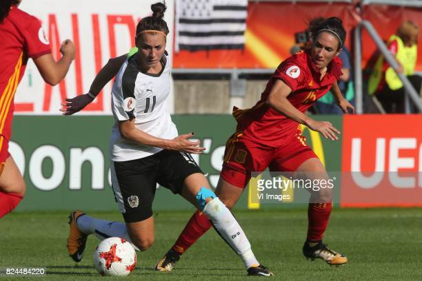 Viktoria Schnaderbeck of Austria women Silvia Meseguer of Spain during the UEFA WEURO 2017 quarter finale match between Austria and Spain at Koning...