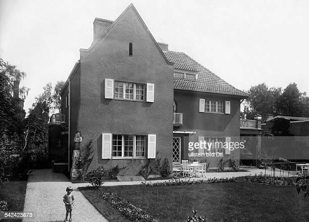 Villa im LandhausstilArchitekt Michael Rachlisveröffentlicht in BIZ 32/1925