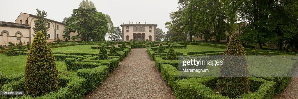 Villa Varramista garden