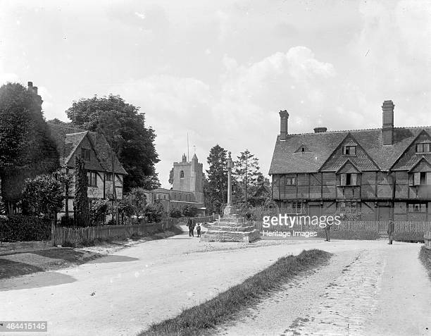 Village Cross East Hagbourne Oxfordshire c1860c1922 The medieval village cross with a base of five oolite steps and an octagonal shaft standing at...