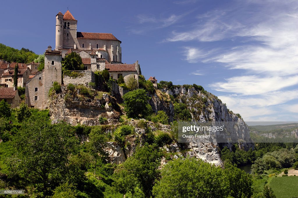 Village of St.-Cirq Lapopie in the Dordogne region of South West France