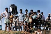 Villagers gather to watch the filming of 'Mere Swapneke Rani' January 2000 in Rajahmundry India