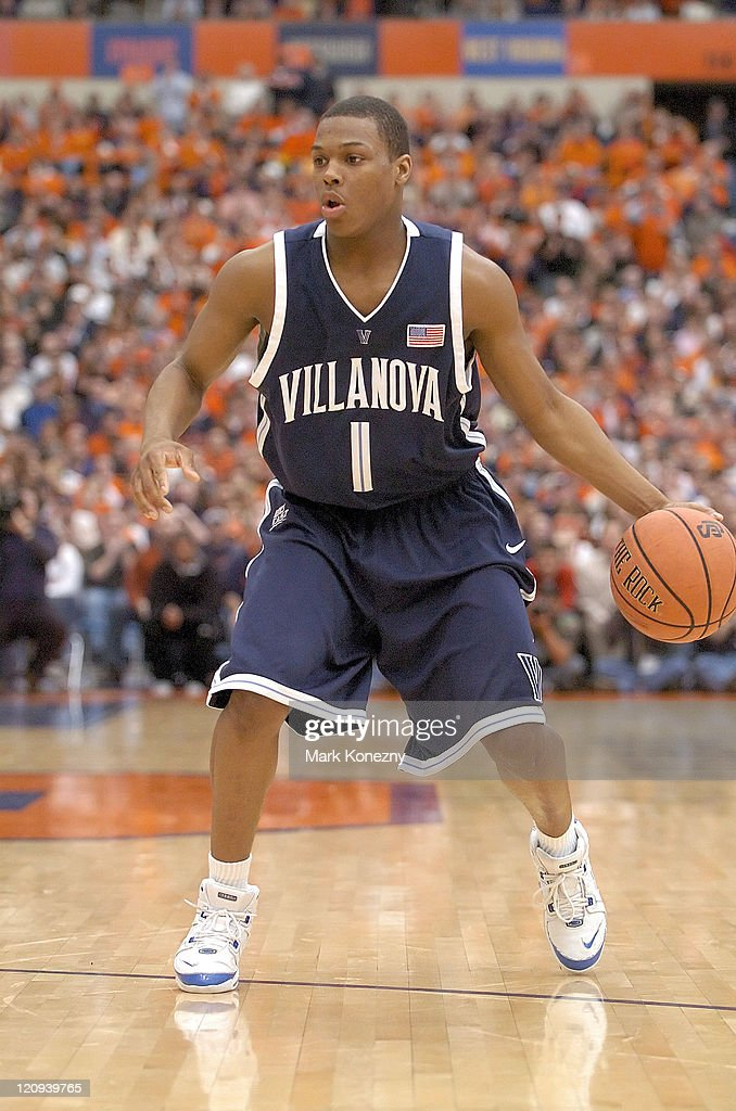 Villanova Wildcats guard Kyle Lowry (1) dribbles the ball during a game against the Syracuse Orange at the Carrier Dome in Syracuse, New York on March 5, 2006. Villanova won the game 92-82.