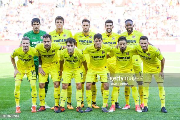 Villarreal FC players pose for a team picture prior to the La Liga match between Girona and Villarreal at Estadi de Montilivi on October 15 2017 in...