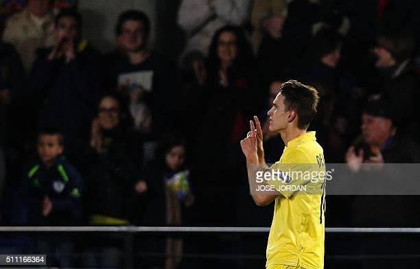 Villarreal's defender Denis Suarez celebrates a goal during the UEFA Europa League Round of 32 first leg football match Villarreal CF vs SSC Napoli...