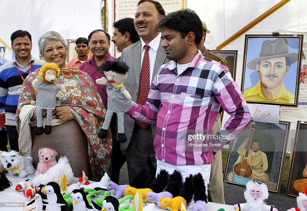 Vimla Mehra DG Tihar along with the officers and inmates who made the soft toys which they made as part of job oriented soft skills program at Tihar Jail, During the Annual Press Conference at Tihar Jail on February 22, 2013 in New Delhi, India.