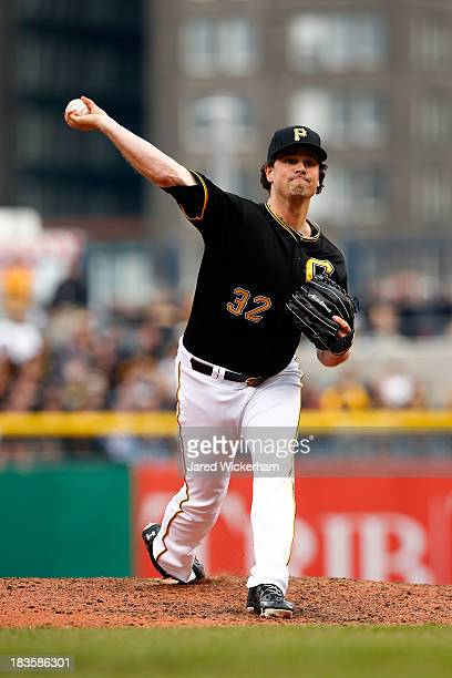 Vin Mazzaro of the Pittsburgh Pirates throws a pitch against the St Louis Cardinals during Game Four of the National League Division Series at PNC...
