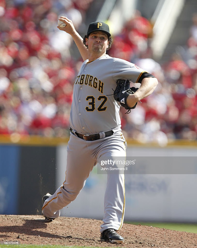 <a gi-track='captionPersonalityLinkClicked' href=/galleries/search?phrase=Vin+Mazzaro&family=editorial&specificpeople=5759050 ng-click='$event.stopPropagation()'>Vin Mazzaro</a> #32 of the Pittsburgh Pirates throws a pitch during the game against the Cincinnati Reds at Great American Ball Park on September 28, 2013 in Cincinnati, Ohio.