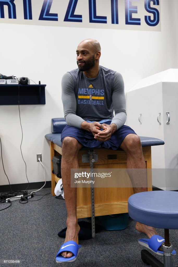 Vince Carter #15 of the Memphis Grizzlies in the prepares before the game against the San Antonio Spurs during Game Three of the Western Conference Quarterfinals of the 2017 NBA Playoffs on April 20, 2017 at FedExForum in Memphis, Tennessee.