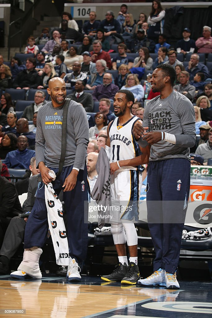<a gi-track='captionPersonalityLinkClicked' href=/galleries/search?phrase=Vince+Carter&family=editorial&specificpeople=201488 ng-click='$event.stopPropagation()'>Vince Carter</a> #15 of the Memphis Grizzlies, Mike Conley #11 of the Memphis Grizzlies and <a gi-track='captionPersonalityLinkClicked' href=/galleries/search?phrase=Jeff+Green+-+Basketspelare&family=editorial&specificpeople=4218745 ng-click='$event.stopPropagation()'>Jeff Green</a> #32 of the Memphis Grizzlies celebrate during the game against the Portland Trail Blazers on February 8, 2016 at FedExForum in Memphis, Tennessee.