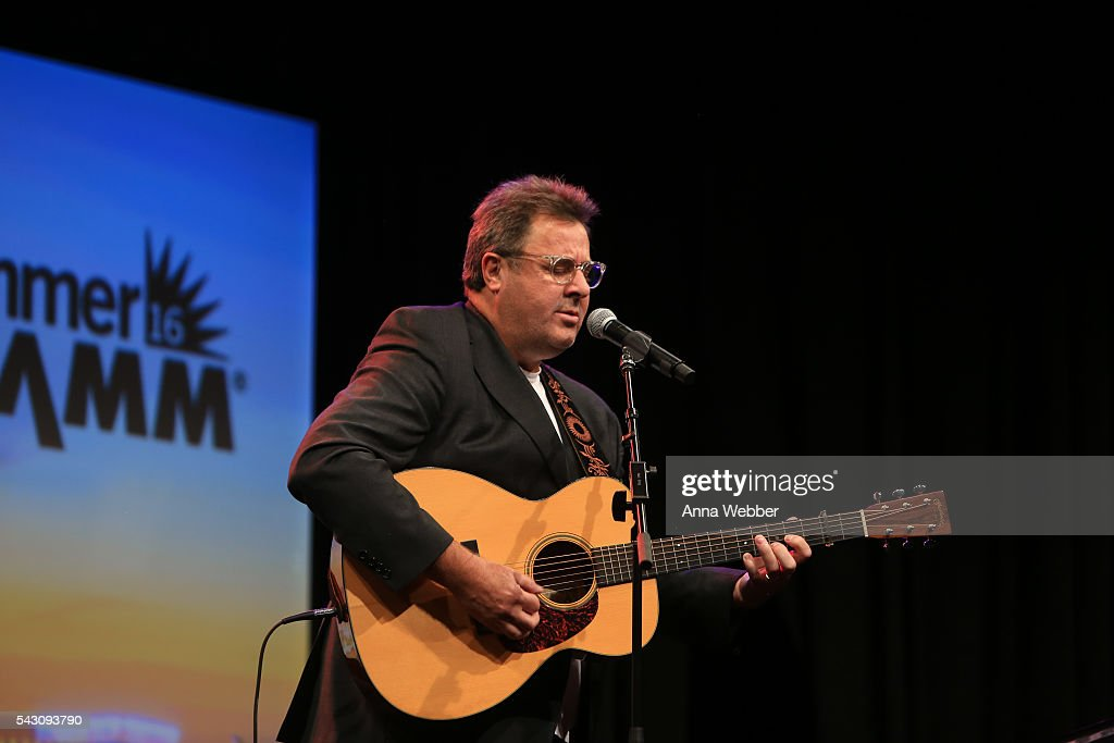 <a gi-track='captionPersonalityLinkClicked' href=/galleries/search?phrase=Vince+Gill&family=editorial&specificpeople=215309 ng-click='$event.stopPropagation()'>Vince Gill</a> performs during the 33rd Annual American Eagle Awards at Music City Center on June 25, 2016 in Nashville, Tennessee.