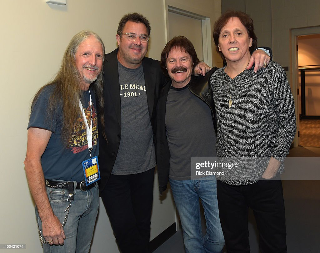Vince Gill poses with Patrick Simmons Tom Johnston and John McFee of The Doobie Brothers backstage at the Honors Awards Ceremony during Day 4 of the...